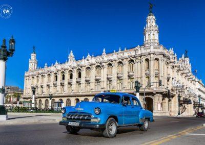 Teatro-Havana-e-macchina