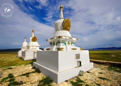 stupa-mongolia