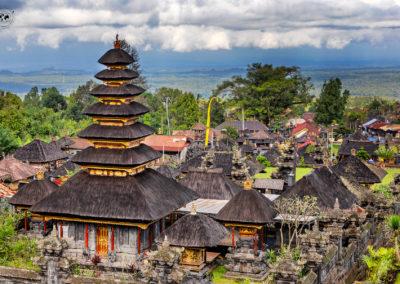 Besakih-tante-pagode